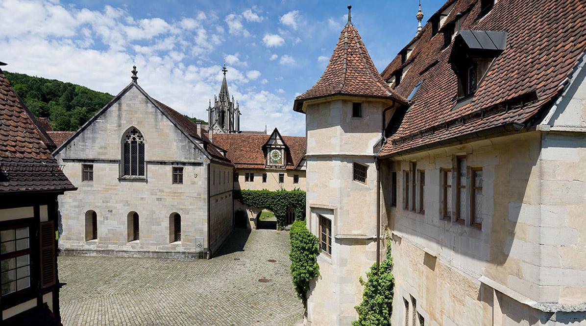 Kloster Bebenhausen von außen; Foto: Staatliche Schlösser und Gärten Baden-Württemberg, Christoph Hermann