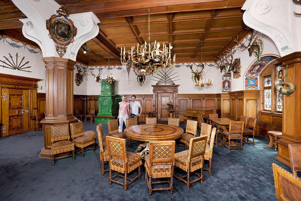 Blue Hall in Bebenhausen Palace. Image: Staatliche Schlösser und Gärten Baden-Württemberg, Christoph Hermann