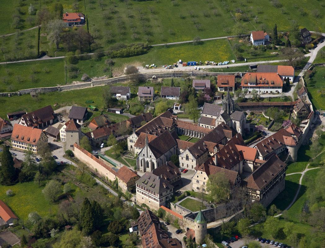 Luftaufnahme von Kloster Bebenhausen; Foto: Staatliche Schlösser und Gärten Baden-Württemberg, Achim Mende