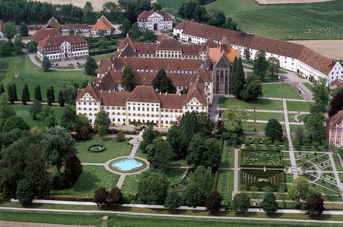 Luftaufnahme von Kloster und Schloss Salem; Foto: Landesmedienzentrum Baden-Württemberg, Steffen Hauswirth