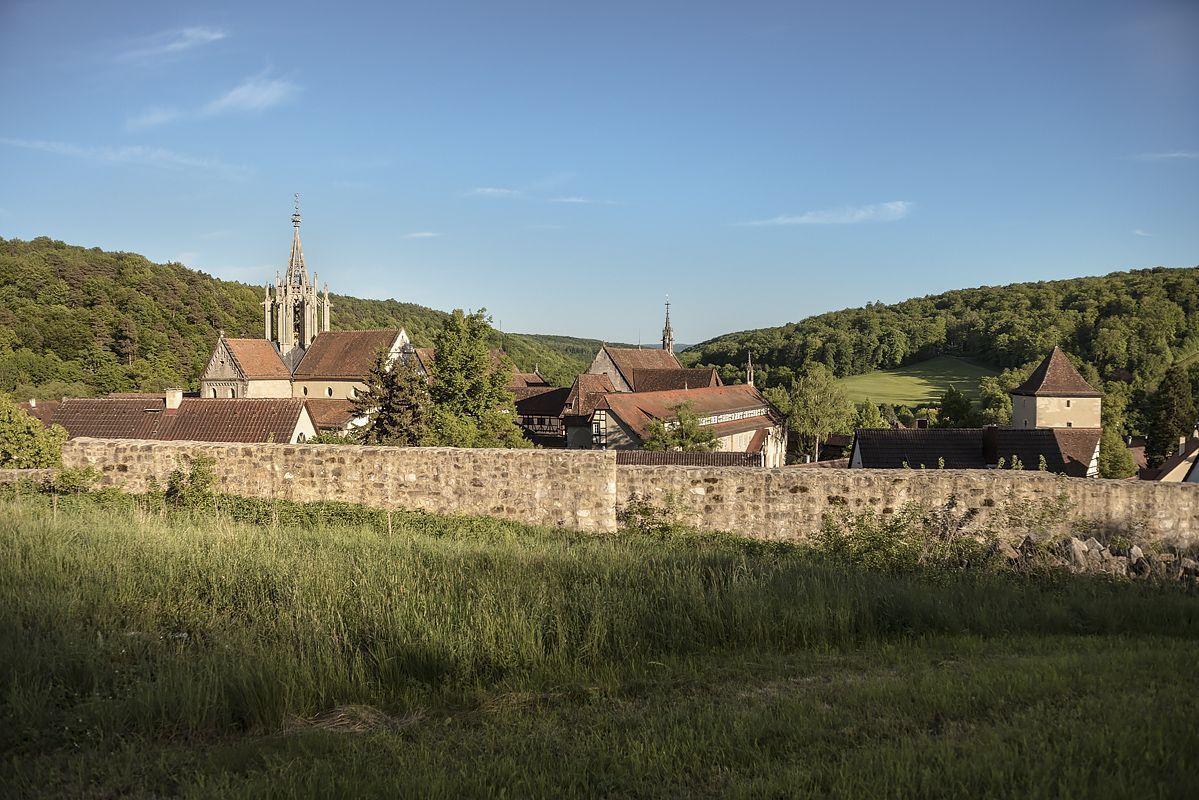 Außenansicht von Kloster Bebenhausen im Schönbuch; Foto: Staatliche Schlösser und Gärten Baden-Württemberg, Günther Bayerl