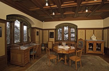 Schreibzimmer der Königin im Schloss Bebenhausen; Foto: Staatliche Schlösser und Gärten Baden-Württemberg, Arnim Weischer