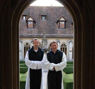Cistercians in the cloister at Bebenhausen Monastery. Image: Staatliche Schlösser und Gärten Baden-Württemberg, Bebenhausen local administration
