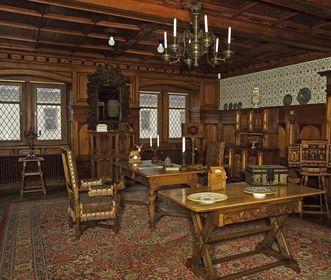 King Wilhelm II's drawing room in Bebenhausen Palace. Image: Staatliche Schlösser und Gärten Baden-Württemberg, Arnim Weischer