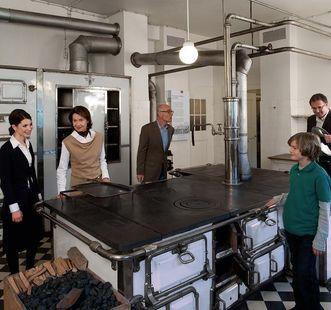 Besucher in Kloster und Schloss Bebenhausen
