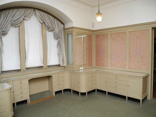 Das Ankleidezimmer der Königin im Schloss Bebenhausen; Foto: Staatliche Schlösser und Gärten Baden-Württemberg, Stephan Kohls