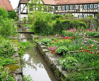 Herb garden of Bebenhausen Monastery. Image: Wikimedia, in the public domain