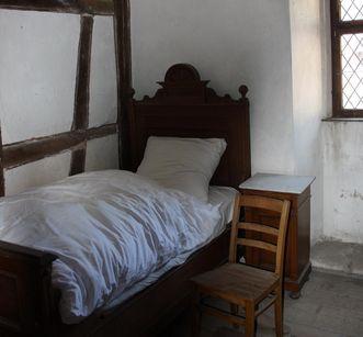 Cell in the dormitory of Bebenhausen Monastery and Palace. Image: Staatliche Schlösser und Gärten Baden-Württemberg, Bebenhausen local administration