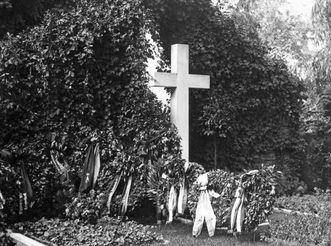 Grave of King Wilhelm II in Ludwigsburg, 1927. Image: Landesmedienzentrum Baden-Württemberg, Hans Schwenkel
