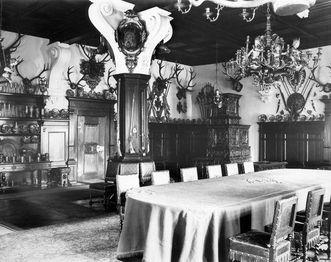 Blue Hall in Bebenhausen Palace, circa 1926. Image: Landesmedienzentrum Baden-Württemberg, Robert Bothner