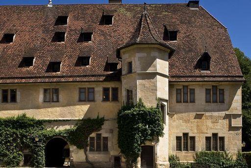 Außenansicht des heutigen Klosters und Schlosses Bebenhausen; Foto: Staatliche Schlösser und Gärten Bebenhausen, Rose Hajdu