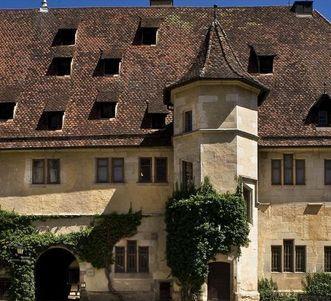 Außenansicht Schloss Bebenhausen; Foto: Staatliche Schlösser und Gärten Baden-Württemberg, Rose Hajdu